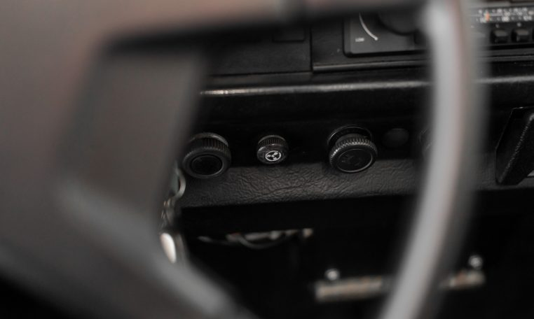 Volkswagen 1303 LS Cabrio (Carocha)