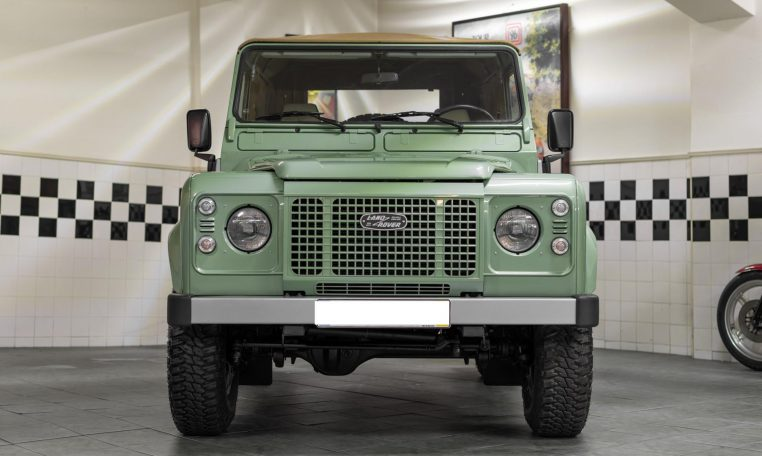 Land Rover Defender 90 Soft Top Td5