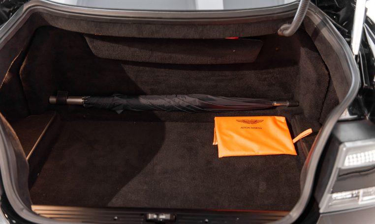 Aston Martin DBS Coupé