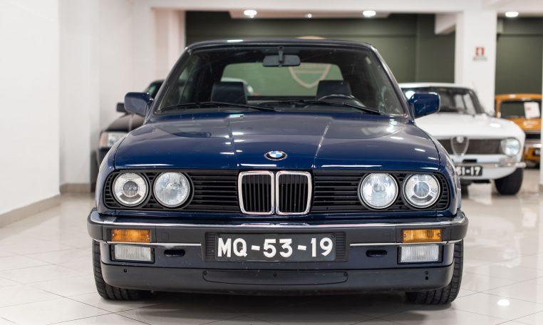 BMW 320i Cabrio (E30)
